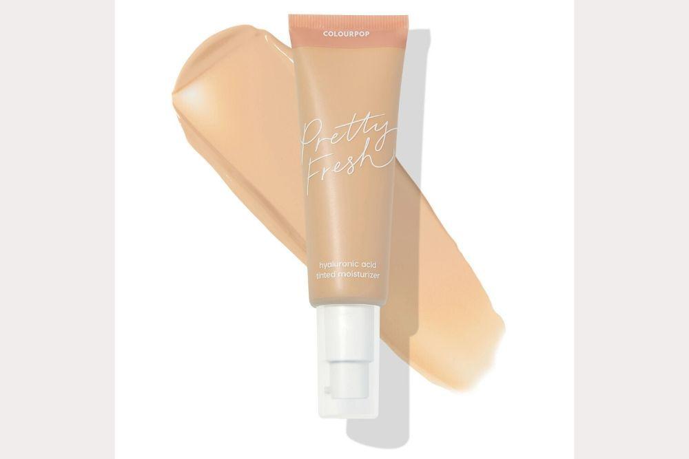 Dapatkan Dewy Skin Look dengan 7 Rekomendasi Tinted Moisturizer Ini