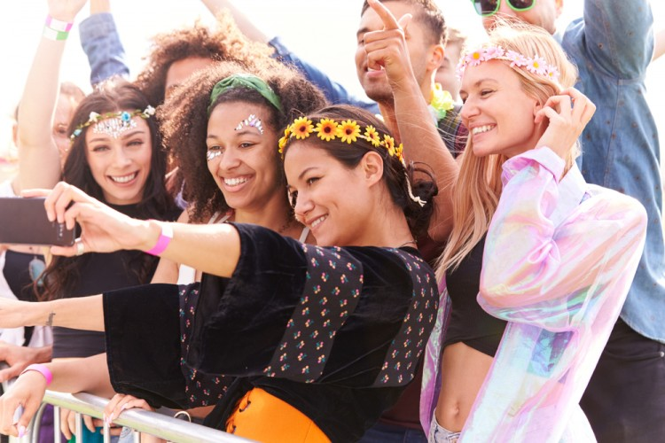 Girls, Ini Lagi Viral di TikTok! Yuk Ikutan Challenge Okky Jelly Drink