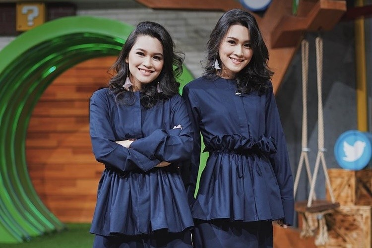 9 Potret Kompak Twinda & Twindy Rarasati, Si Kembar yang Saling Dukung