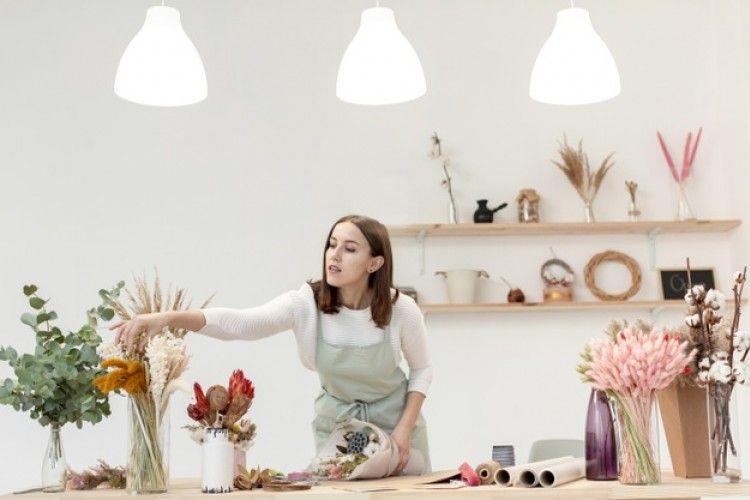 Mau Mempercantik Ruangan Rumah? Yuk, Berkreasi dengan 5 Teknik Ikebana
