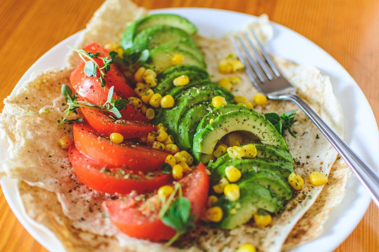 5 Tips Disiplin Makan Sehat Ketika WFH
