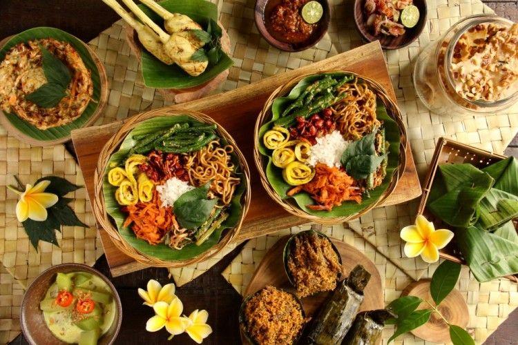 Nggak Hanya Kamu, 10 Makanan Indonesia Ini Nggak Kalah 'Seksi'