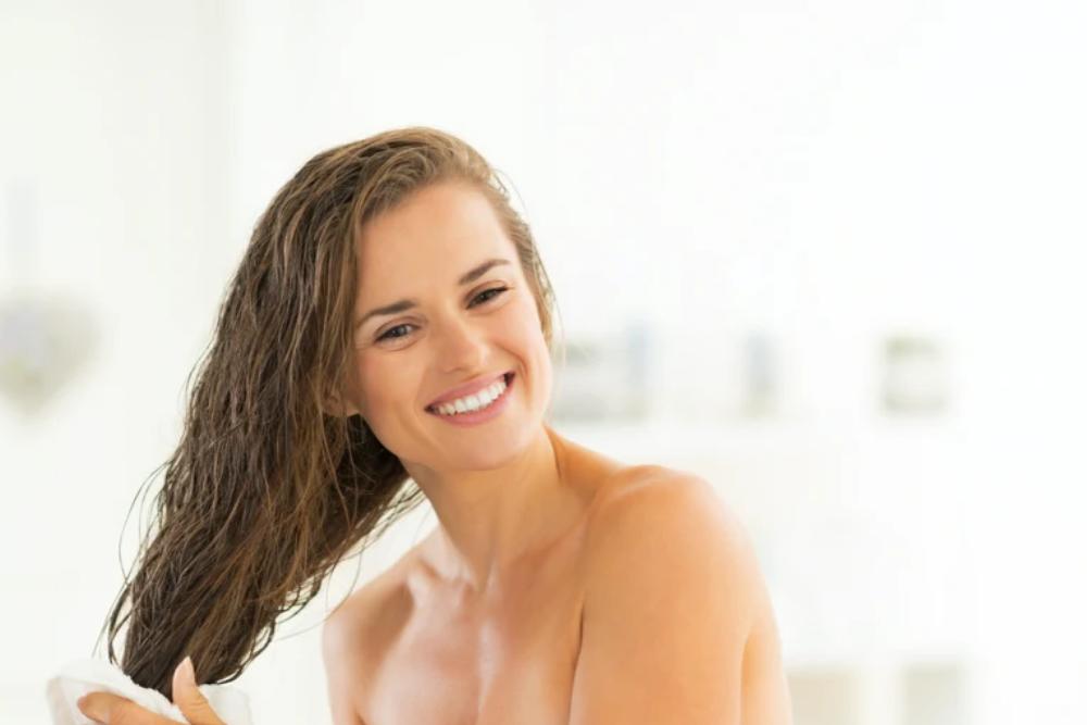 Nggak Bisa Pergi Ke Salon, Cara Mudah Untuk Merawat Rambut Di Rumah
