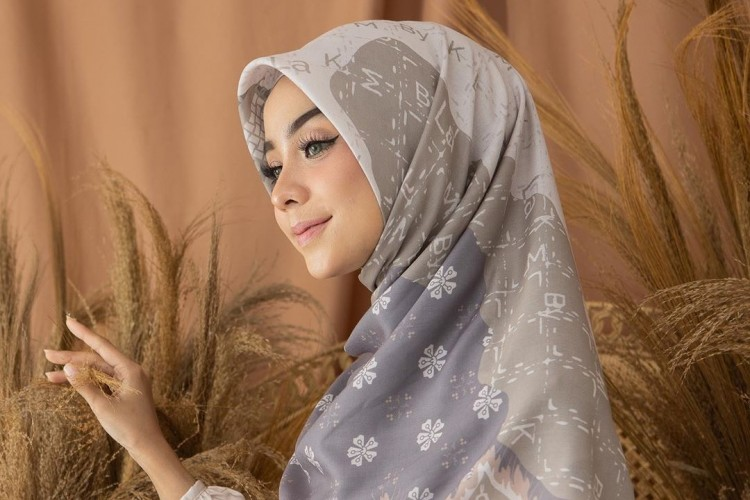 #PopbelaOOTD: Makin Manis Selama Ramadan dengan Kerudung Motif