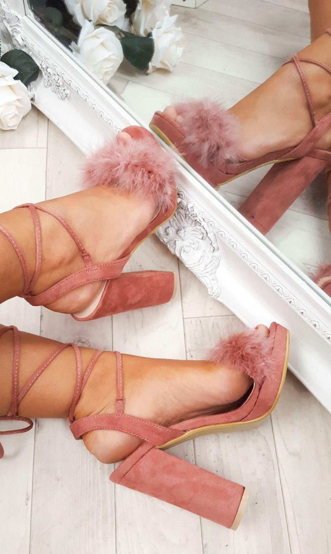 DIY Fluffy Heels, Sulap Heels Lama Jadi Lebih Classy