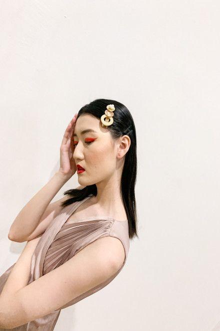 #PopbelaOOTD: Sempurnakan Penampilanmu Pakai Jepit Rambut Brand Lokal