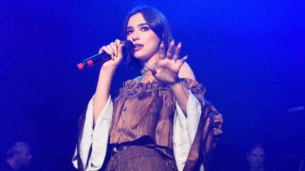 10 Fakta Karier Dua Lipa, dari Club Hostess Hingga Penyanyi Terkaya