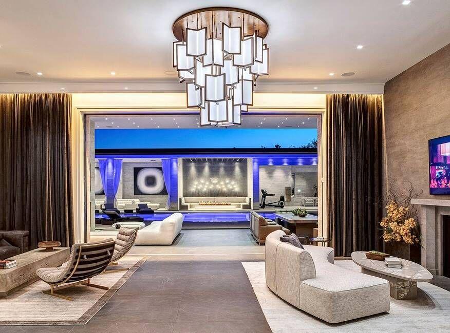Mewah, Ini Penampakan Rumah Baru Kylie Jenner Seharga Rp549 Miliar