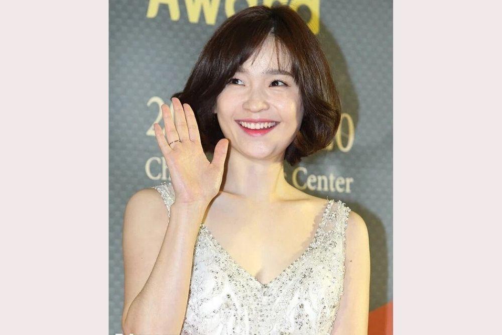 9 Potret Jeon Mi Do, Dokter Imut di Kdrama Hospital Playlist