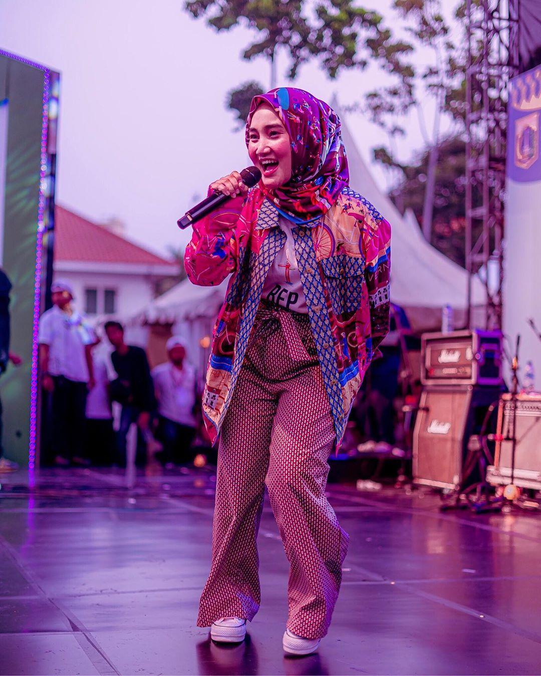 Musik dan Penampilan di Mata Fatin Shidqia