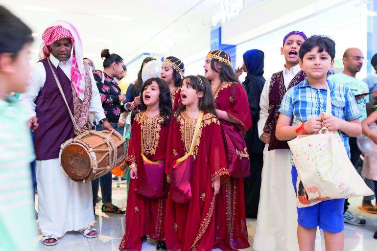 Unik, Intip 6 Tradisi Ramadan di Dunia yang Bikin Kangen Buat Kumpul