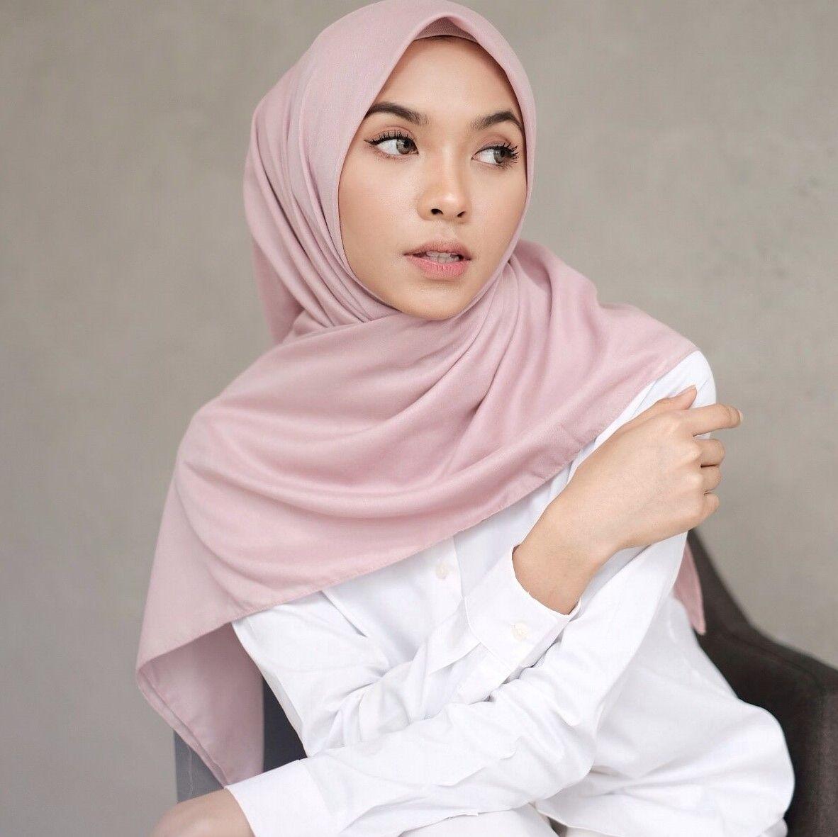 #PopbelaOOTD: Rayakan Bulan Suci Ramadan Pakai Kerudung Pink
