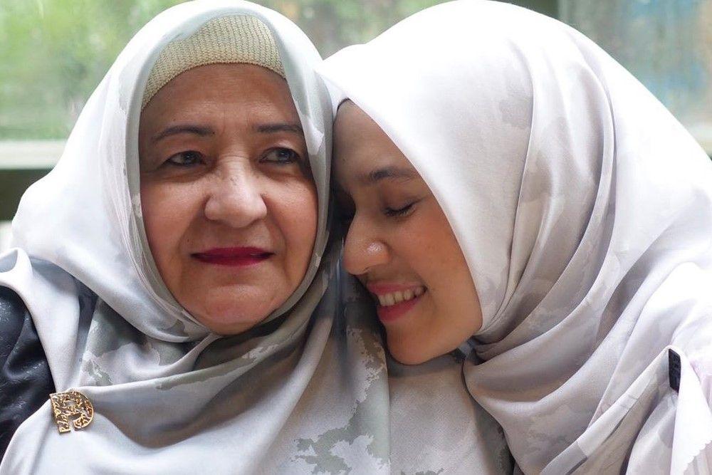 Ramadan Terindah, Ini Kata Dhini Aminarti Soal Ibadah & Keluarga