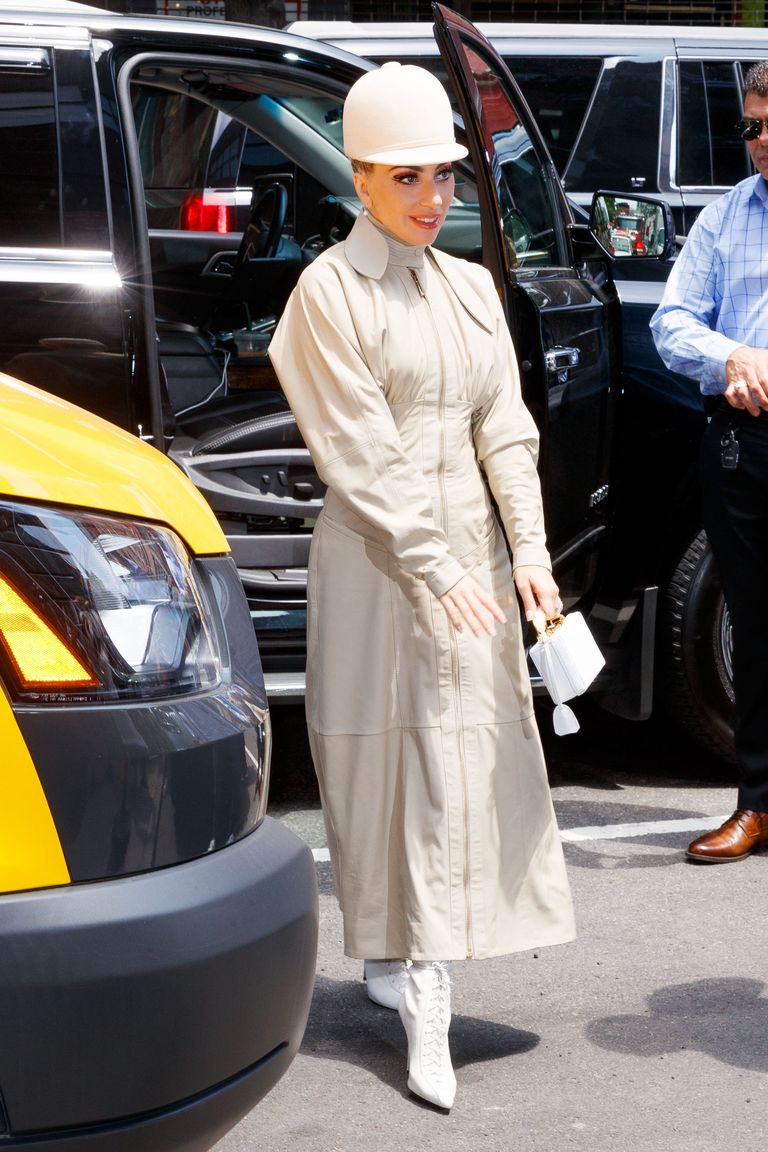 Begini Gaya Sehari-hari Lady Gaga Saat Tidak Hadir di Karpet Merah
