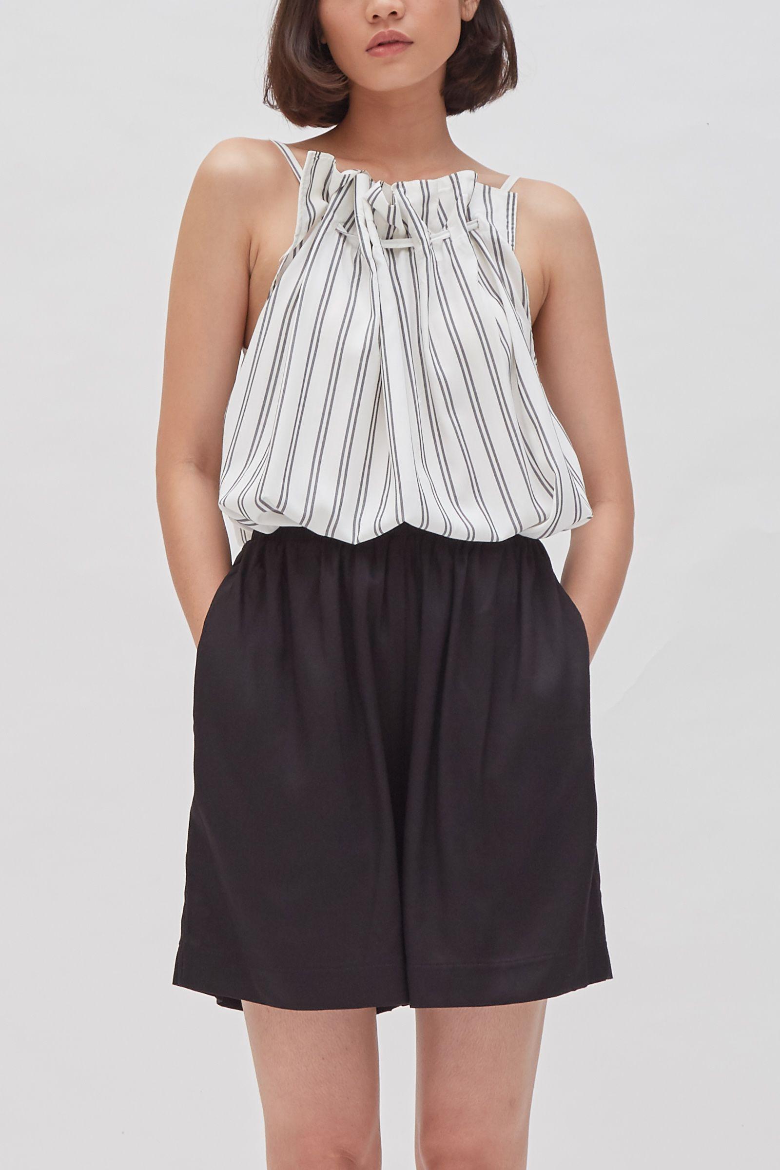 #PopbelaOOTD: Upgrade Koleksi Baju dengan Sleeveless Top Ini