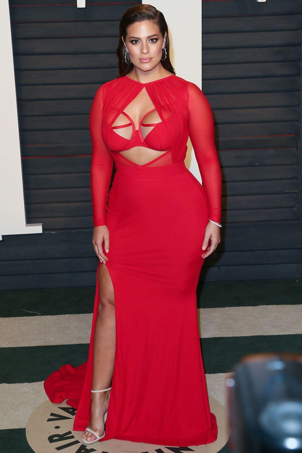 Gaya Seleb Hollywood Berbadan Plus Size Tampil Seksi di Karpet Merah