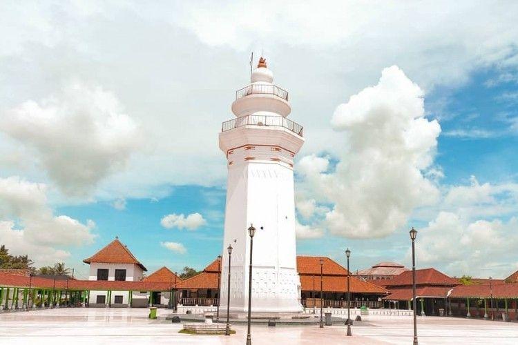Bikin Adem Hati, Ini 9 Rekomendasi Wisata Religi di Banten