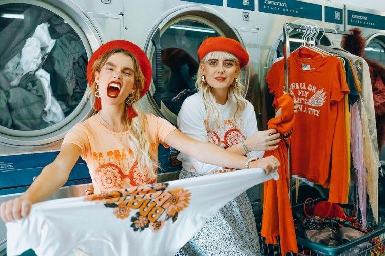 3 Cara Menyelamatkan Pakaian Menyusut Setelah Dicuci