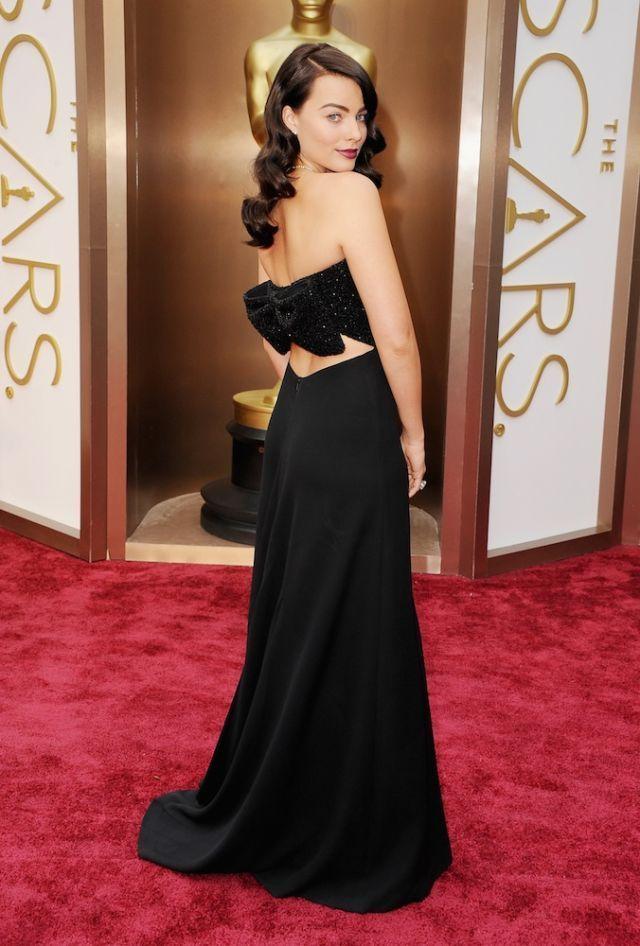Gaya Terbaik Margot Robbie di Karpet Merah, Seksi Sekaligus Modis!
