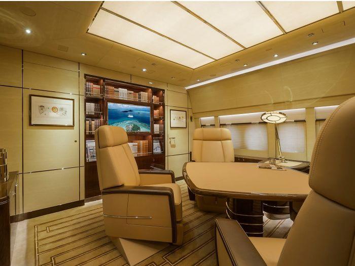 Mewah! Inilah 12 Foto Interior Pesawat Jet Pribadi Terbesar di Dunia
