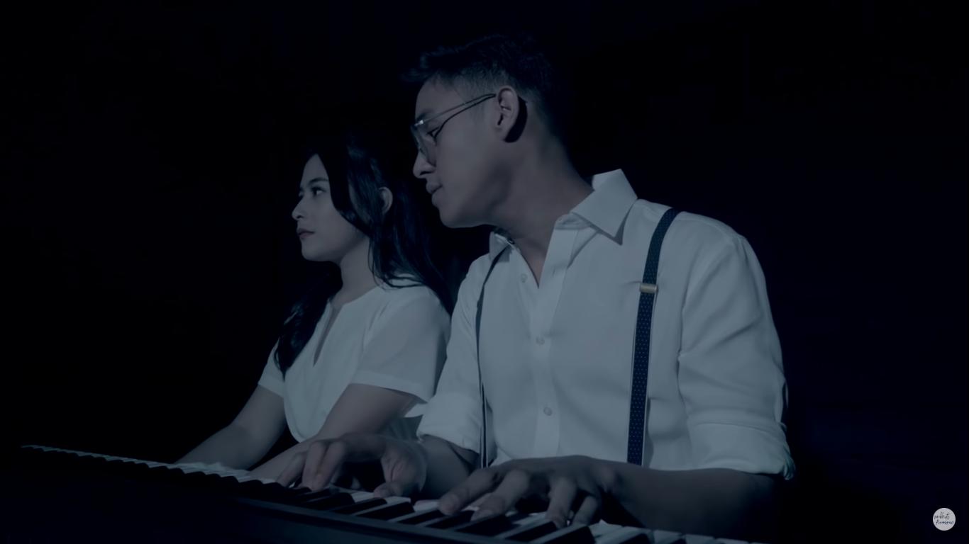 5 Lirik Lagu Ardhito Pramono yang Bisa Manisin Momen Cewek