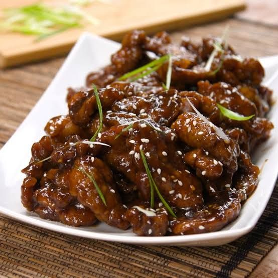 Nggak Cuma Opor, 5 Kuliner Asia Ini Cocok Dimakan Bareng Ketupat