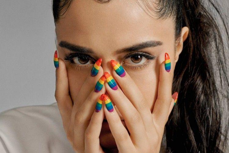Calvin Klein Merilis Kampanye Iklan Bertema LGBTQ+