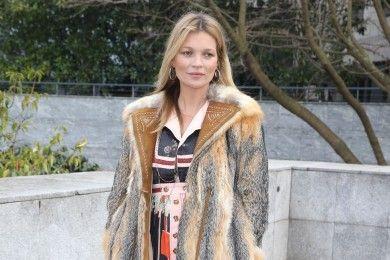 Intip Gaya Street Style Kate Moss, Selalu Statement