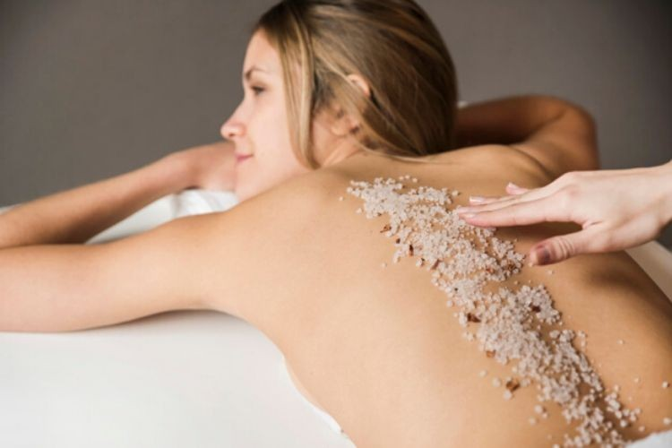 Tips Memilih Body Scrub yang Tepat Untukmu dan Cara Memakainya