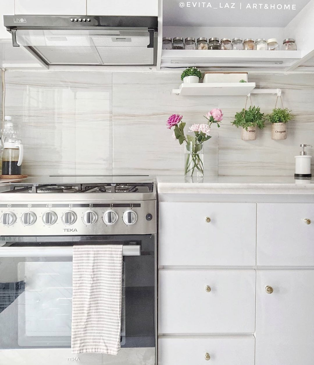 Inspirasi Dekorasi Rumah dengan Hiasan Tanaman yang Bikin Adem