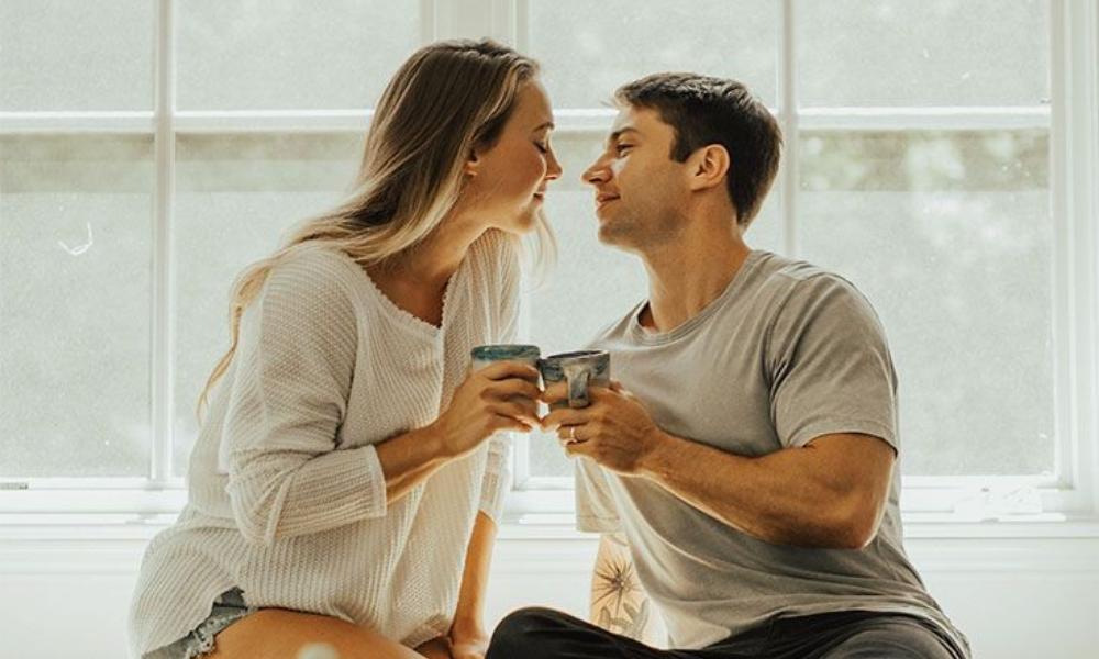 Inilah Alasan Mengapa Kamu Selalu Kehilangan Jati Diri Saat Berkencan