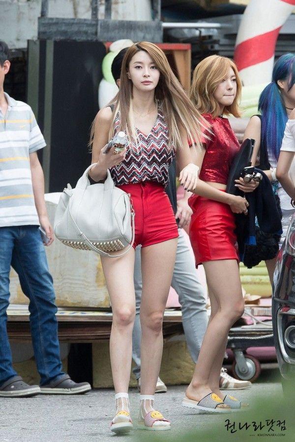 Intip Gaya OOTD Kwon Na-ra yang Suka Pakai Celana Pendek