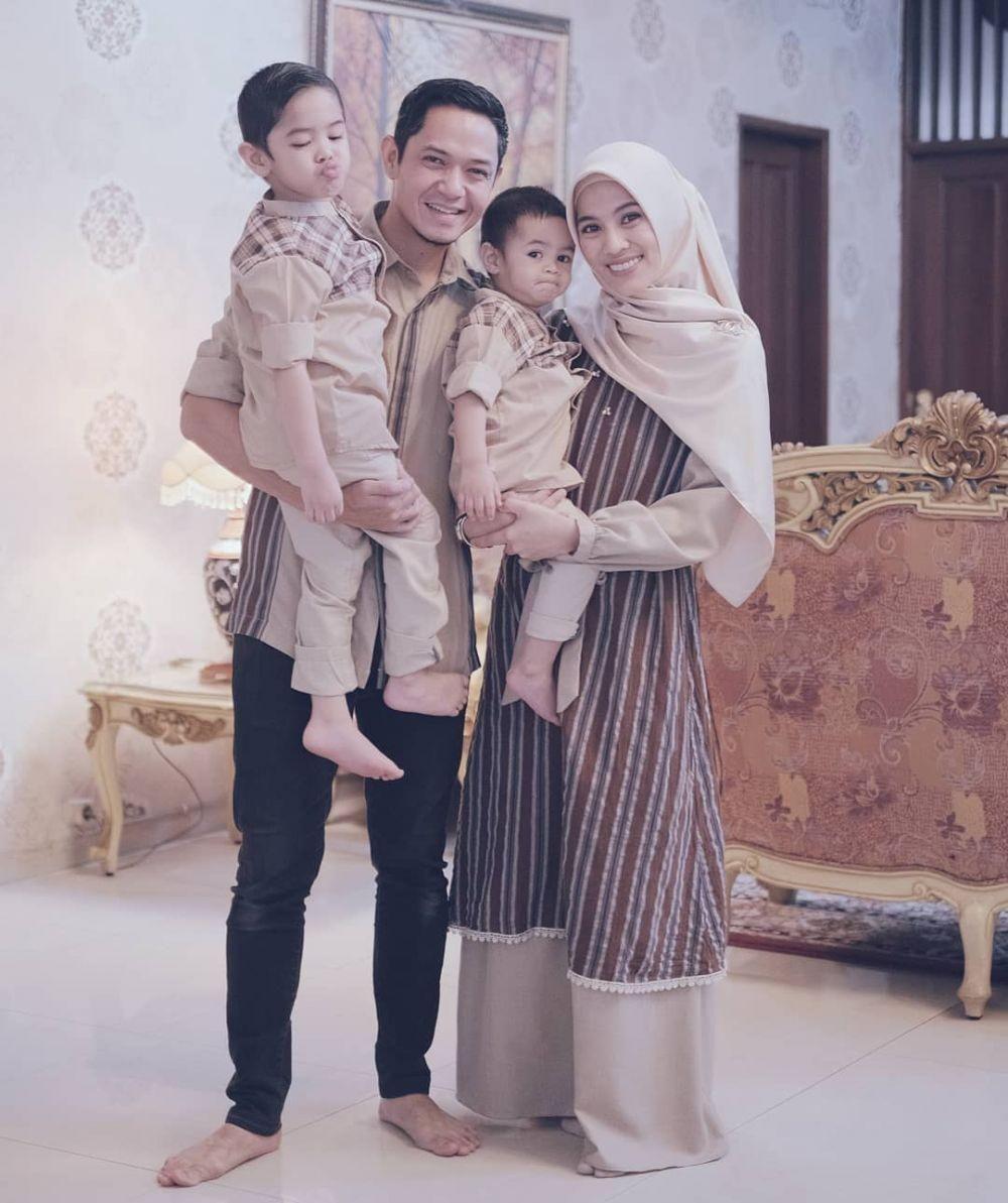 Inspirasi Busana Lebaran untuk Foto Keluarga dari Artis Indonesia