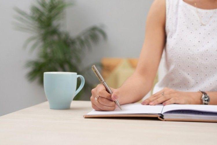 Manfaat Menulis Catatan Jurnal untuk Kariermu