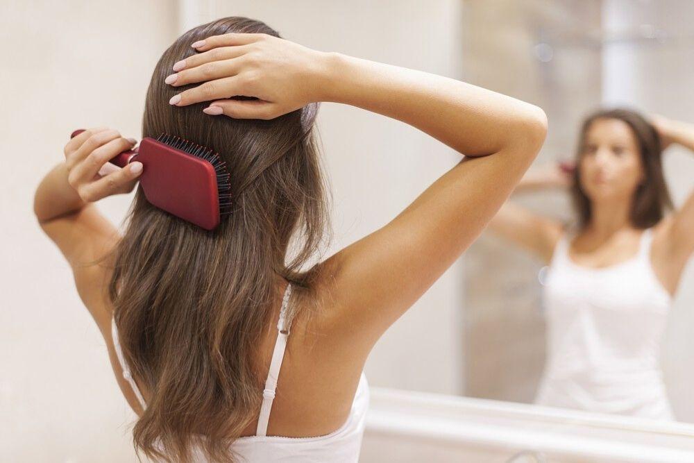 7 Kebiasaan Sehari-hari yang Membuat Rambut Kamu Mudah Lepek