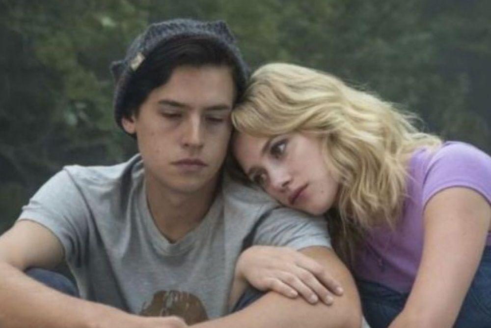 Putus, Ini Kisah Cinta Lili Reinhart dan Cole Sprouse