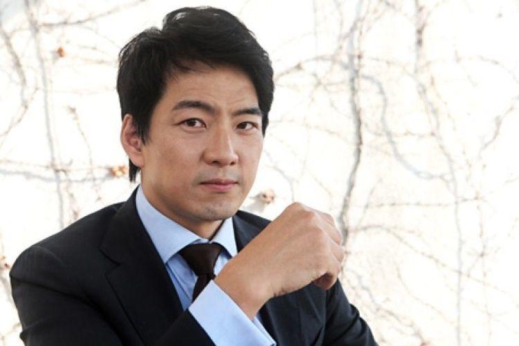 Bikin Iri! 7 Aktor Korea Ini Memilih Menikah dengan Kalangan Non Seleb