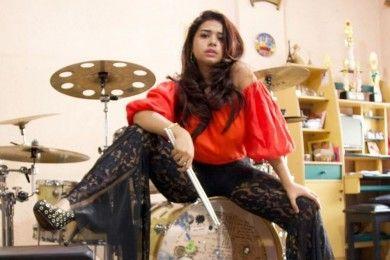 Potret Terbaru JP Millenix, Drummer Cantik Jebolan IMB