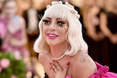 Sedang Dimabuk Cinta, 9 Potret Mesra Lady Gaga Pacar Baru