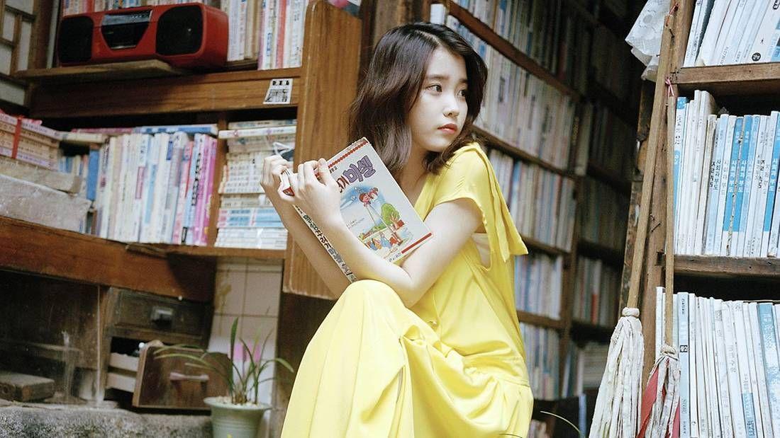 Nggak Bermodal Paras Semata, 9 Idol Kpop Ini Gemar Membaca Buku