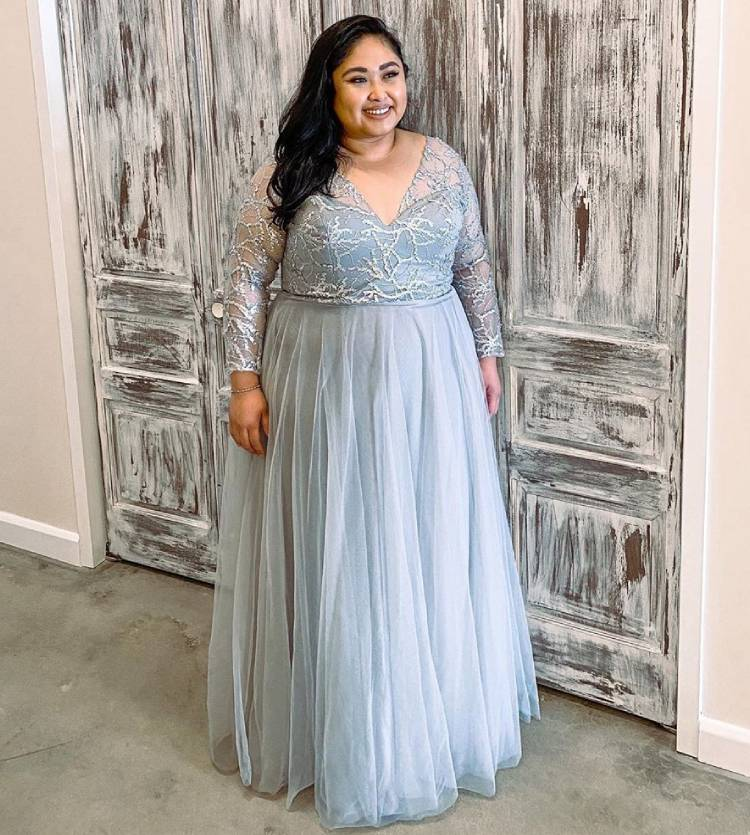 12 Inspirasi Baju Tunangan untuk Pemilik Tubuh Plus Size