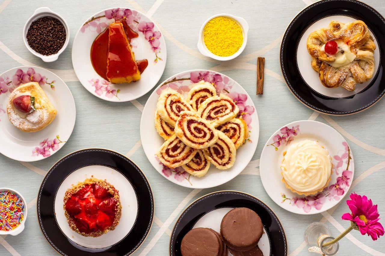 Makin Bad Mood, Hindari 8 Jenis Makanan Ini Saat Galau