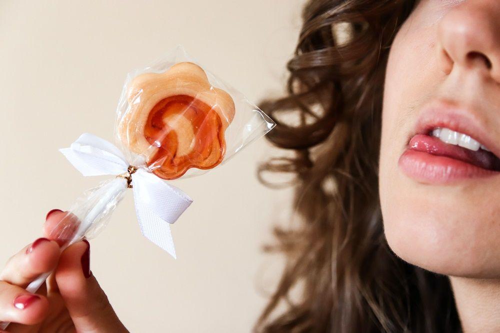 7 Cara Lakukan Seks Oral yang Bikin Si Dia Puas Maksimal