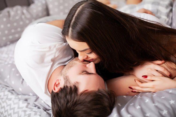 6 Cara Memberi Ciuman Hebat, Bocoran dari Para Laki-laki, Nih!