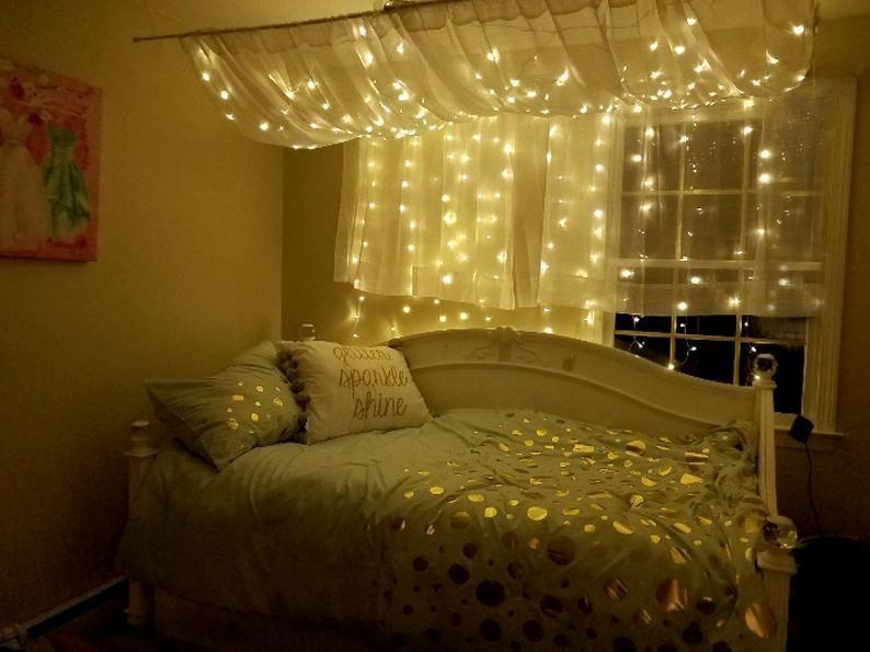 6 Inspirasi Dekorasi Lampu yang Mempercantik Kamar