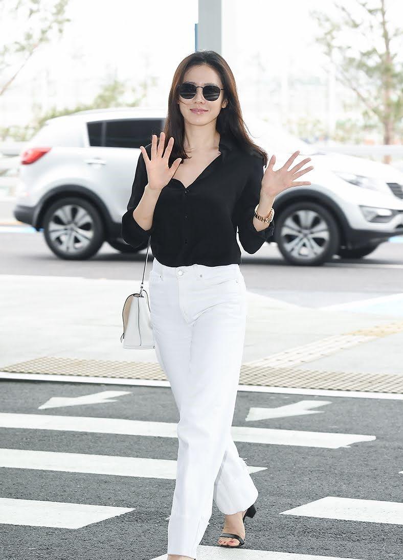 Pakai Bikini Hingga Kemeja, Begini Gaya Kasual Son Ye Jin