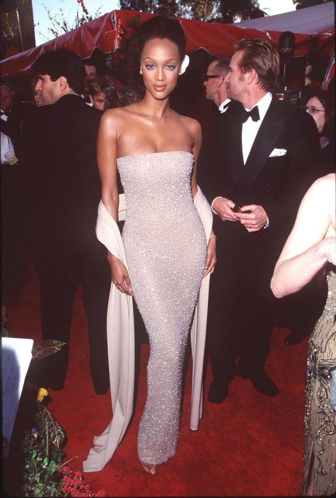 Gaya Seksi Supermodel Tyra Banks di Karpet Merah