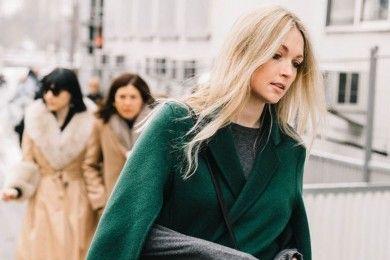 Tips Padu-padan Warna Hijau Emerald, Biar Glamor