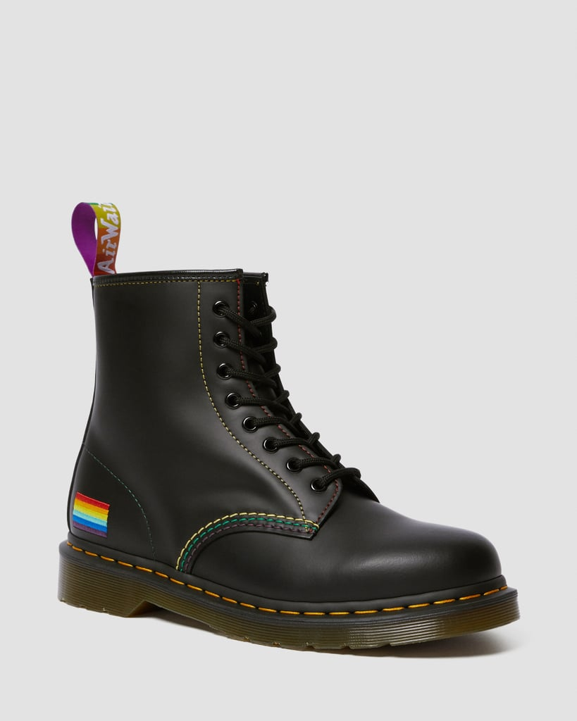 Sepatu hingga Tas, Ini 10 Fashion Brand yang Merilis Koleksi 'Rainbow'