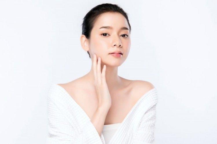 7 Rangkaian Skincare yang Cocok untuk Kulit Sensitif
